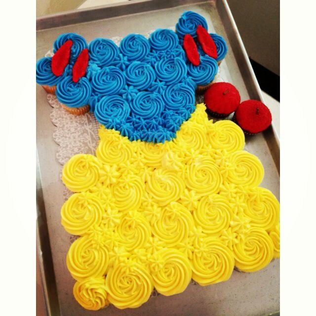Snow White cupcake cake #disney #princess