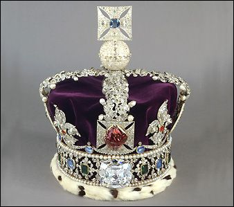 The Imperial State Crown is 31.5cm high, weighs 0.91kg and is set with over 3,000 precious stones, including the 317 carat Cullinan II diamond. Great-Britain.