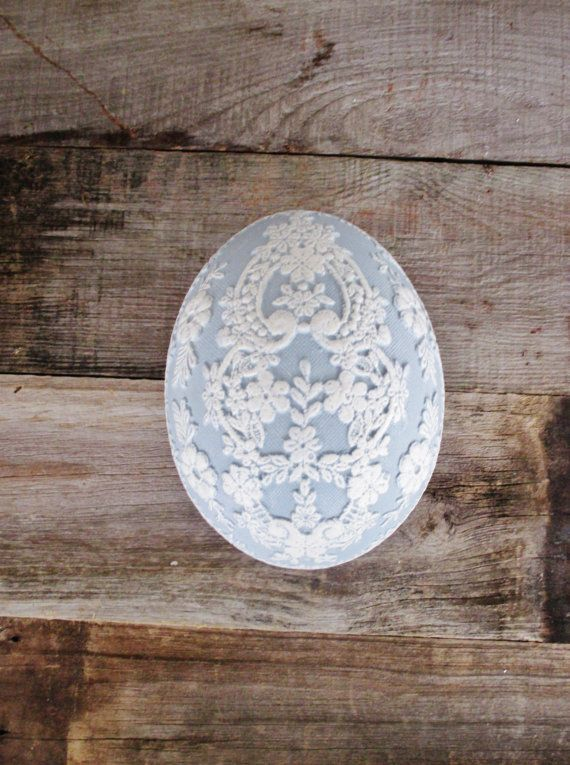 Egg Box Vintage Blue and White Egg Box Vintage Egg Trinket Box Egg Shaped Box Easter Egg Porcelain Egg Shaped Trinket Box Easter Decor