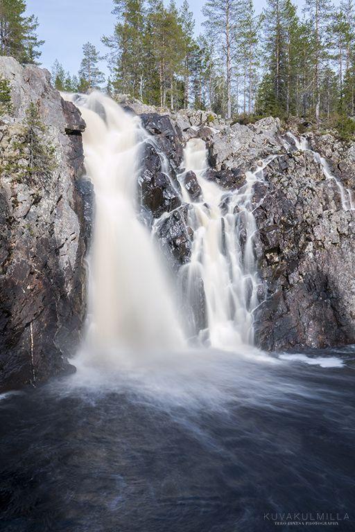 Valokuvausta Hepoköngään vesiputouksella