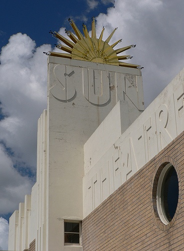 Another contender for top Melbourne cinema - the Sun in Yarraville. Located just off the popular Anderson Street strip and surrounded by some fantastic restaurants/bars, the Sun is a beautiful Art Deco cinema with a GREAT selection of choc tops. Wonderful on a summer night.