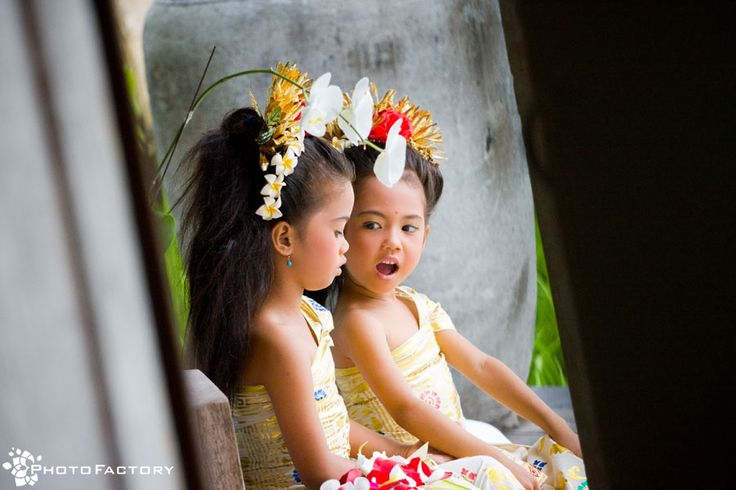 Balinese little flower girls