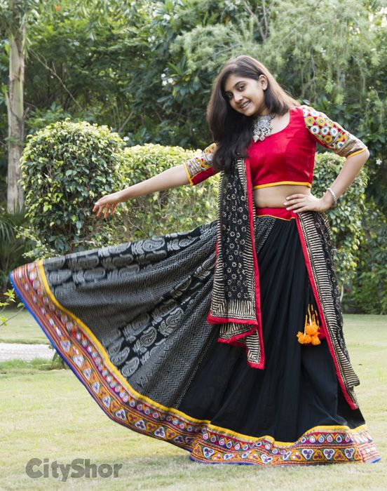 Black Mirror Work Dandiya Choli #Black #ChaniyaCholi #GarbaCholi
