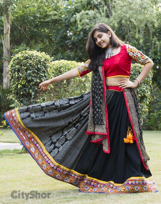 Black Mirror Work Dandiya Choli  #Black #ChaniyaCholi #GarbaCholi