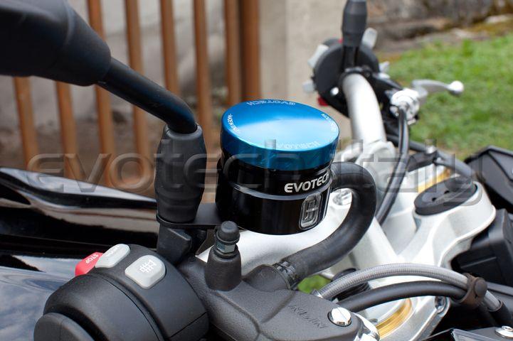 Serbatoio liquido freno anteriore #BMW #S1000R 2015 #evotechitaly #madewithpassioninitaly www.evotech-rc.it