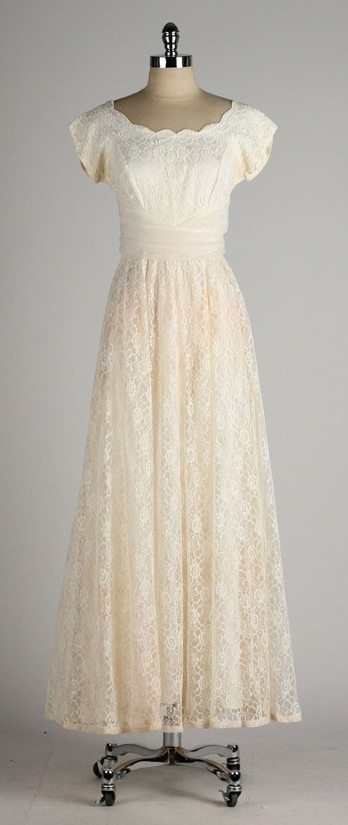vintage 1950s dress . ivory lace . chiffon by millstreetvintage: