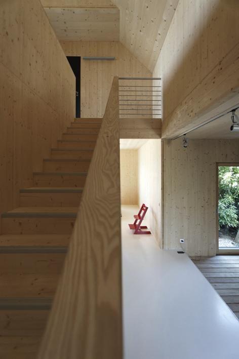 les ma tres d 39 ouvrage une famille franco japonaise souhaitent construire une maison en bois. Black Bedroom Furniture Sets. Home Design Ideas