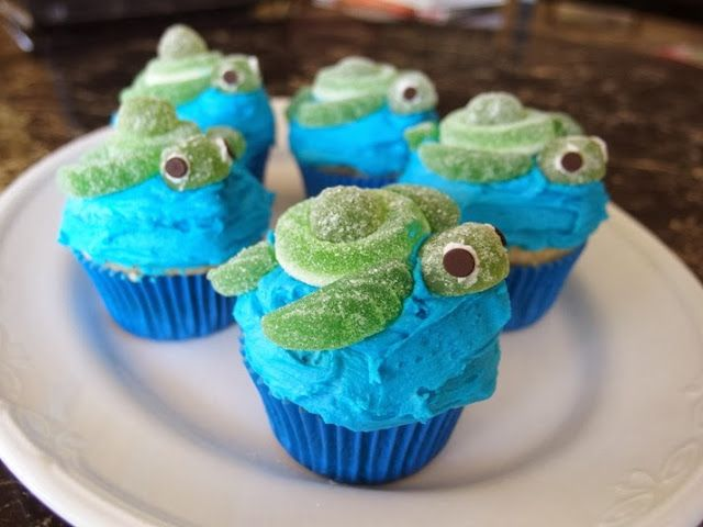 Reez's Gap Year: The Things I Deem Bloggable: Turtle cupcakes