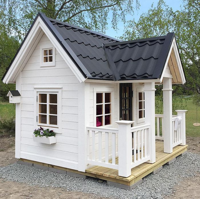 25 unique playhouse outdoor ideas on pinterest kids for Playhouse with porch plans