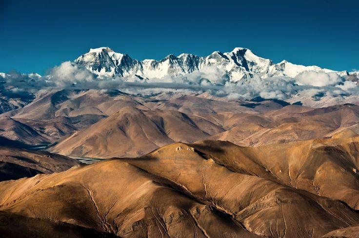 Der Plan klingt verrückt, doch Wetter und Vorbereitung stimmen. Im Himalaja sind Benedikt Böhm und Sebastian Haag zum Shisha Pangma aufgebrochen. Was sich die beiden Extrembergsteiger vorgenommen haben, hat noch niemand gewagt.  Eine Multimedia-Reportage