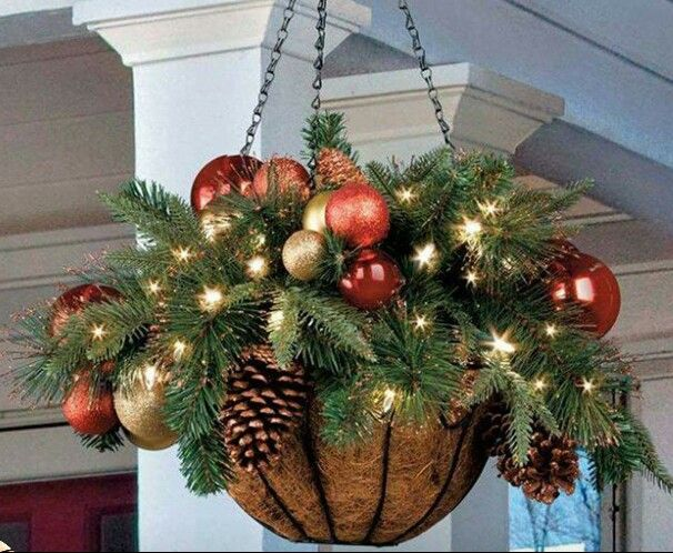 Such a great ideal for the holidays. I'm so doing this out back.