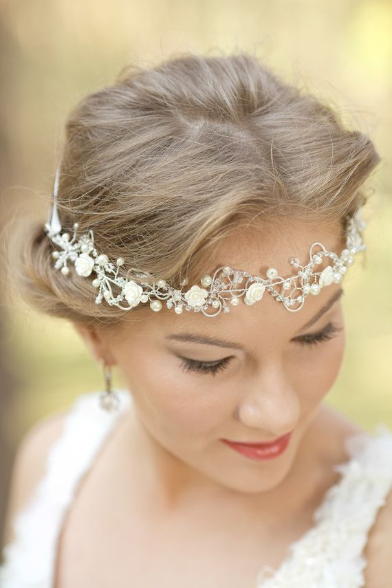 246 best images about tocado de novias on pinterest wedding hair accessories pelo suelto and. Black Bedroom Furniture Sets. Home Design Ideas