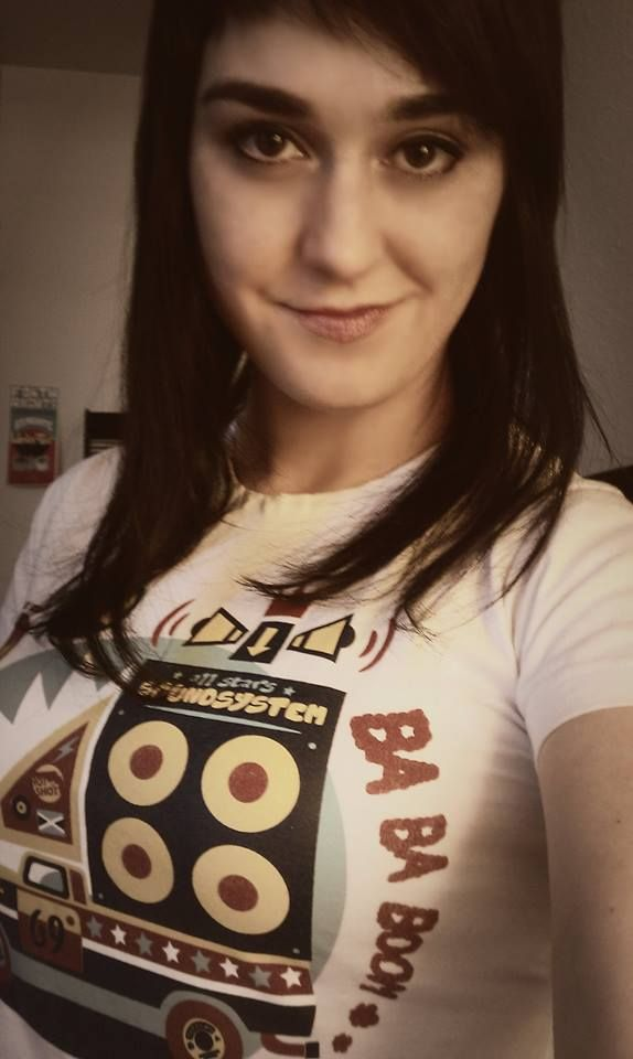 Dani Radic from Soul Radics in Our 'Ba Ba Boom T-shirt. http://shop.hotshotwear.net/ba-ba-boom-all-stars-sound-system-p-76.html