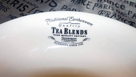 Vintage (c.1980s) Pickwick Tea Blends earthenware luncheon plate from Pickwick Tea Room in London.  Made in England.