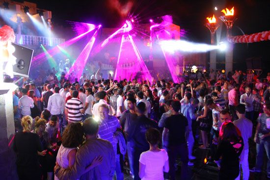 medusa nightclub altinkum - by night