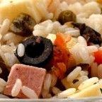 Arroz com Cogumelos é uma receita bem fácil e pratica. Um arroz com cebola refogada; cozido com cogumelos e temperada com cebolinha e curry...É uma arroz leve e combina bem com carnes, assados e grelhados...
