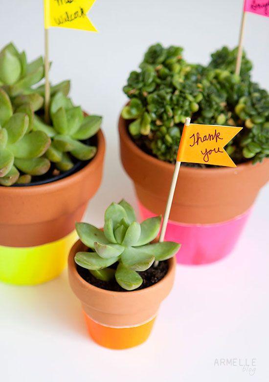 Neon dipped pots // Armelle blog #splendidsummer