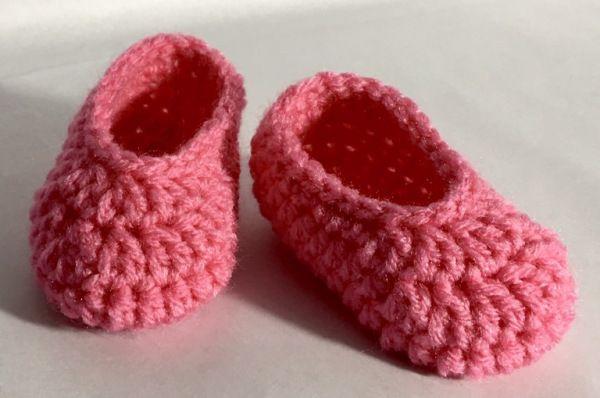 Two ways to crochet doll feet | Crochet doll tutorial, Doll shoe ... | 398x600