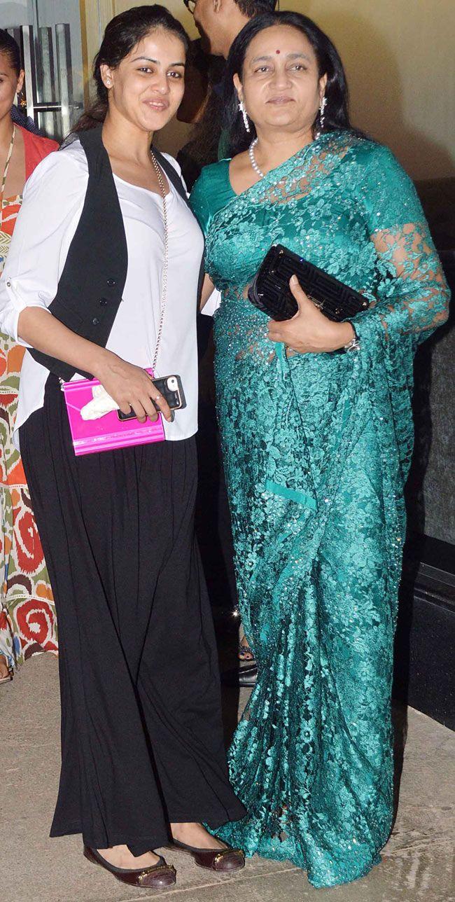 Genelia D'Souza Deshmukh and Vaishali Deshmukh at special screening of 'Ek Villain'. #Style #Bollywood #Fashion #Beauty