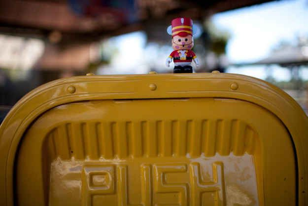There is never a trash can more than 30 steps from where you are in Disney parks. | 33 Things You Probably Didn't Know About Disney Parks