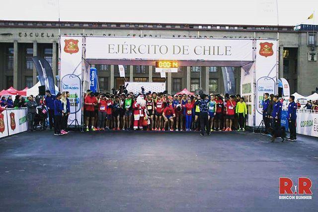 Reposting @rinconrunnercl : R 🏆 R . XX Corrida Glorias del Ejército 2017 Álbum listo en nuestro Fan Page 🔝📸 . . . . . . . . . . . . #rinconrunner #running #run #runningman #runner #runners #runnerslife #iloverunning #runnersofinstagram #instarun #comunidadrunner #santiago #trotar #maraton #run #running #runningchile #chile #deporte #chilerunners #ComunidadCorriendo #xtremerunnerslife #corridaejercito2017
