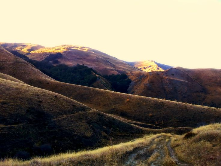 montains around arrowtown