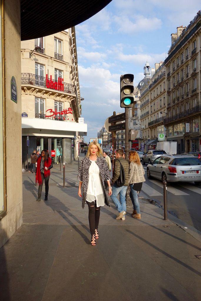 Pe strazile Parisului...