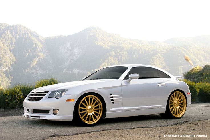 Chrysler Crossfire -- great wheels -- wrong body color means less contrast