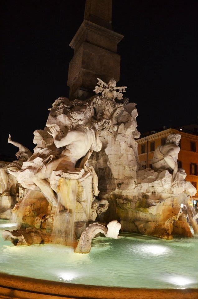 Piazza Navona by night, Rome  EN: www.en.arttrip.it/piazza-navona-night ITA: www.arttrip.it/piazza-navona-di-notte