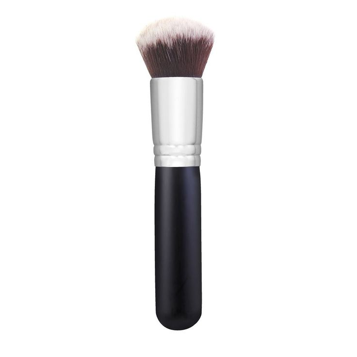 Morphe || M439 - DELUXE BUFFER. Jaclyn Hill used this brush in her Loving Tan sunless self-tanning routine to blend.