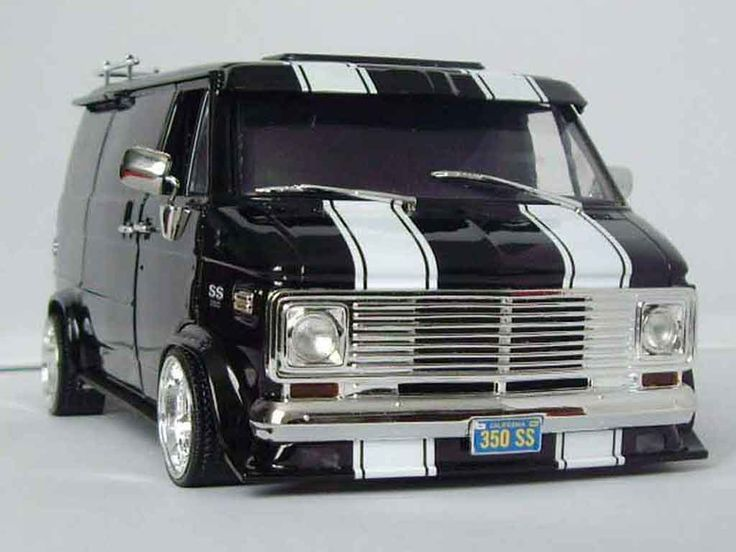 van models | Chevrolet Van black Highway 61 1/18