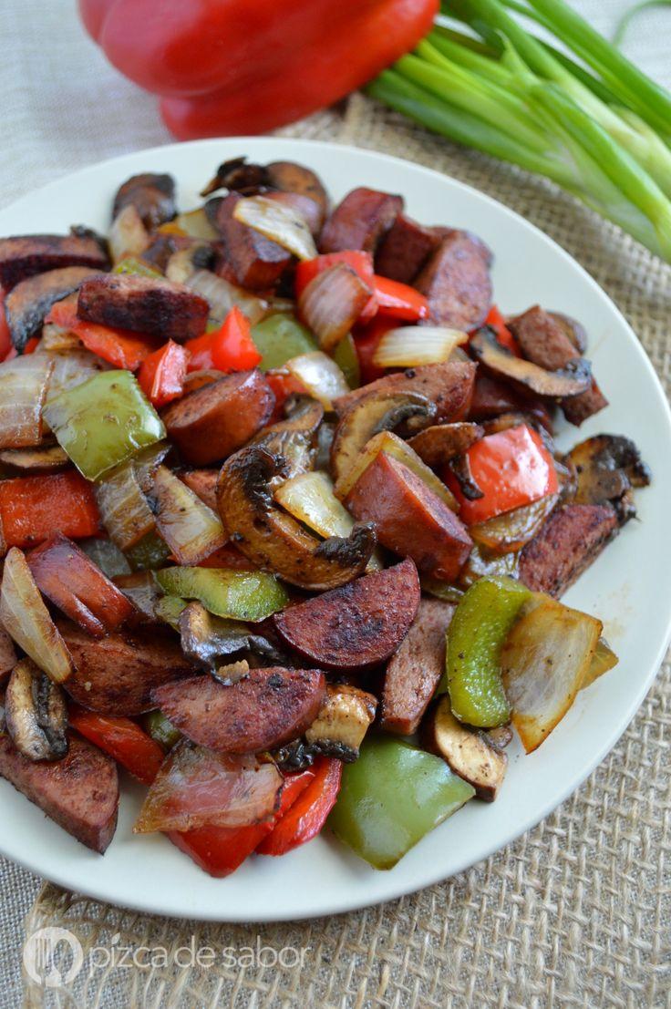Salchicha con morrones y champiñones (kielbasa de pavo) www.pizcadesabor.com