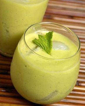 Suco de limão e abacate com efeito anticelulite