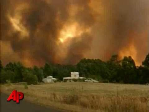 Bushfires in Australia - Intense Wildfire Video Footage