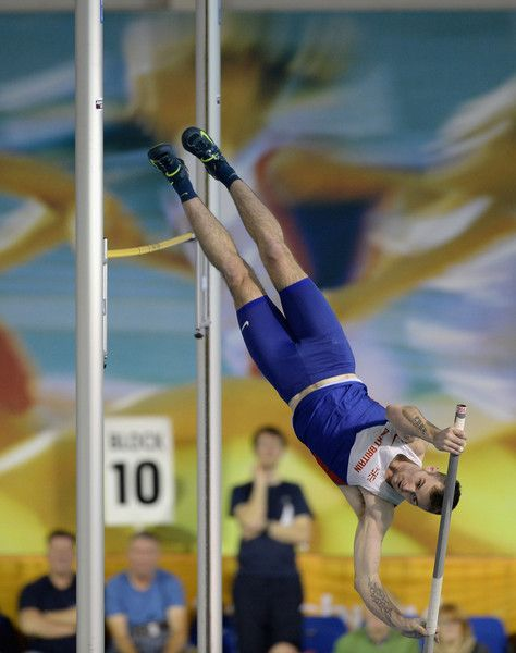 Luke Cutts Photos Photos - Luke Cutts competes in the mens pole vault during the Sainsbury's British Athletics Indoor Championships at English Institute of Sport on February 15, 2015 in Sheffield, England. - Sainsbury's British Athletics Indoor Championships - Day Two