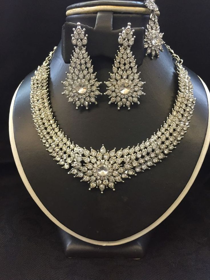 New Indian Bollywood Costume Jewellery Necklace Earring Tikka Set Silver Crystal