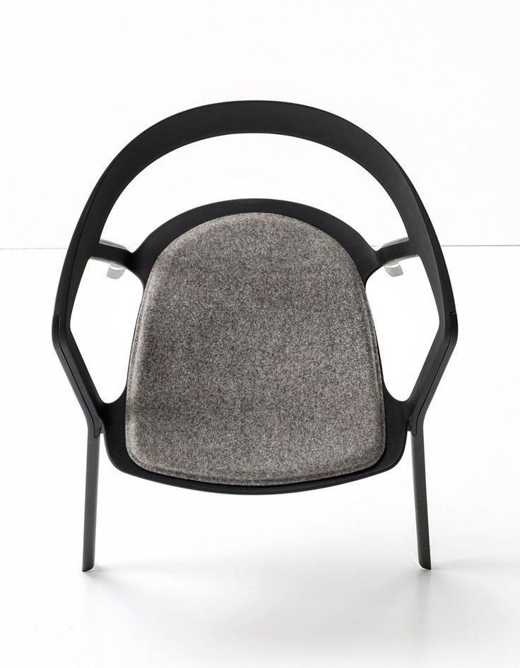 Cadeira empilhável de polipropileno COMPAS by Kristalia | design Patrick Norguet