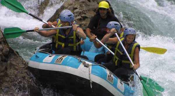 4 Ríos para practicar rafting nivel 5 en España