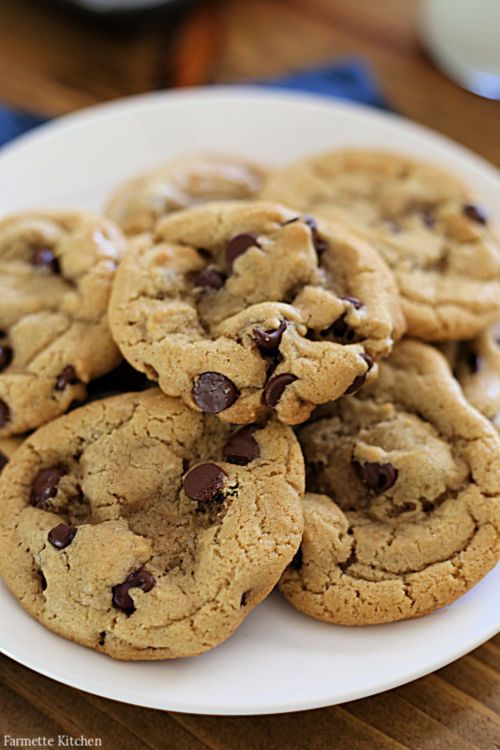 My family loves these one-bowl Small Batch Chocolate Chip Cookies! With this easy chocolate chip cookie recipe there's n…