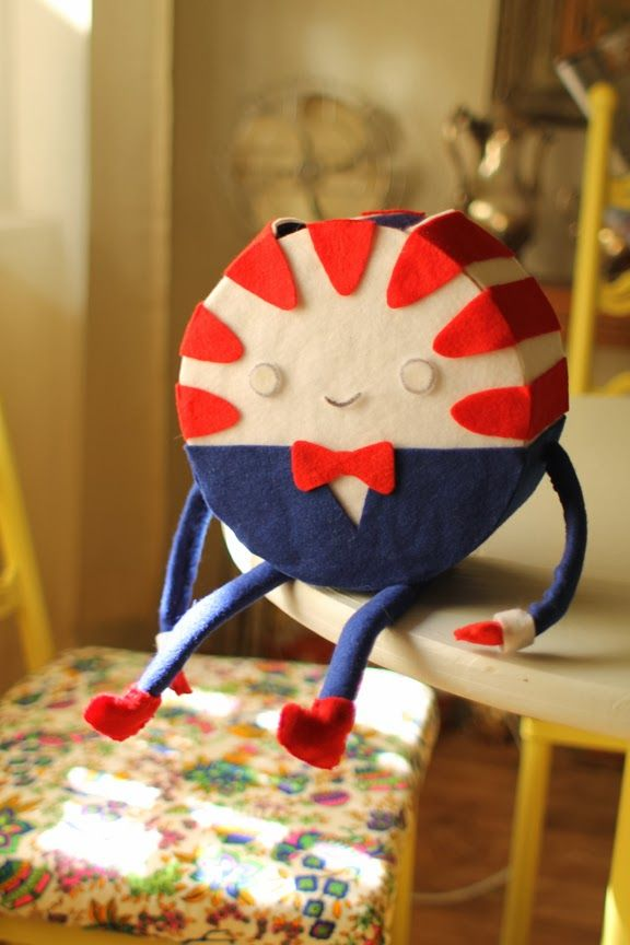 Adventure Time fans!  Make your own Peppermint Butler with Cardboard, paper and felt!  http://www.catafterparty.com/?p=360