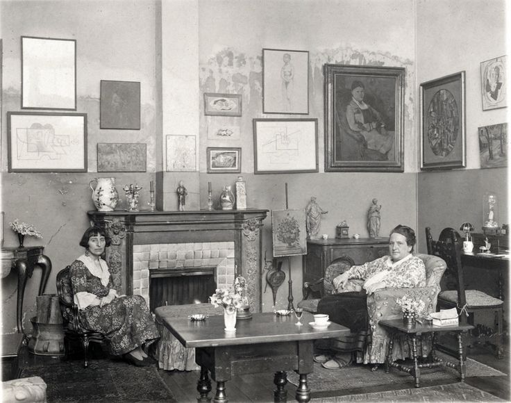Image from http://theredlist.com/media/database/muses/couples/art_culture/gertrude-stein-alice-b-toklas/013-gertrude-stein-alice-b-toklas-theredlist.jpg.