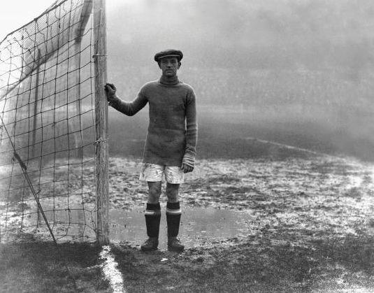 Huddersfield Town goalkeeper Bill Mercer in 1925.