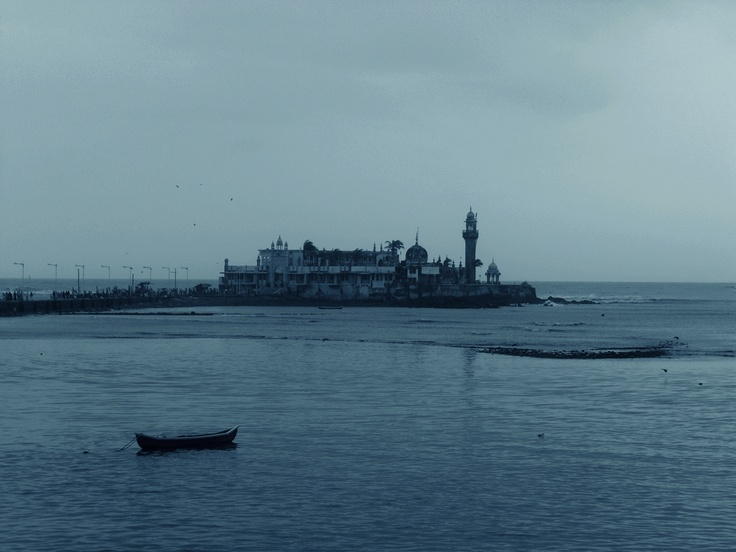 Haji Ali, Mumbai. Like and Re-pin your favorite pins. Get great deals for you trip to Mumbai only on www.tripcrafters.com (Pic by by flickr user souravdas) #HajiAli | #Mumbai | #India