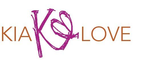 Kia Love, based in Huntsville, Alabama, is a one-woman operation that offers unique and fashionable hand-knit women's accessories and home décor for the daring individual who loves bold color and texture.