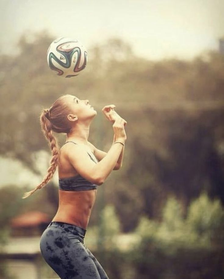 Картинки на аву спортивная девушка