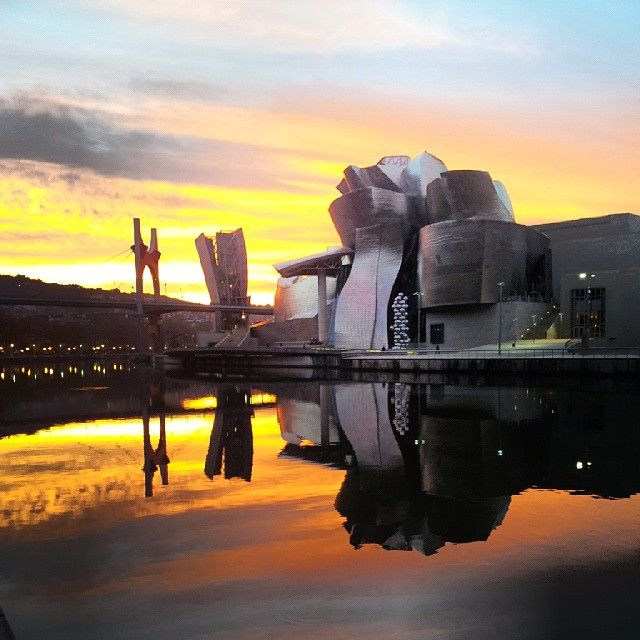 Nuestro querido Guggenheim. Foto de @Guillermo Gómez en Instagram.
