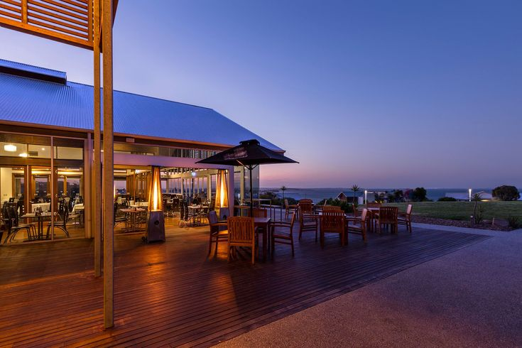 Sunset on the deck - have your intimate function right here, perfect for the whole family to relax #watermarkrestaurant #silverwaterresort