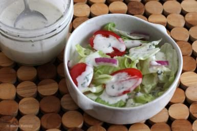 Fast and Easy Homemade Buttermilk Dressing: Basic Buttermilk Salad Dressing