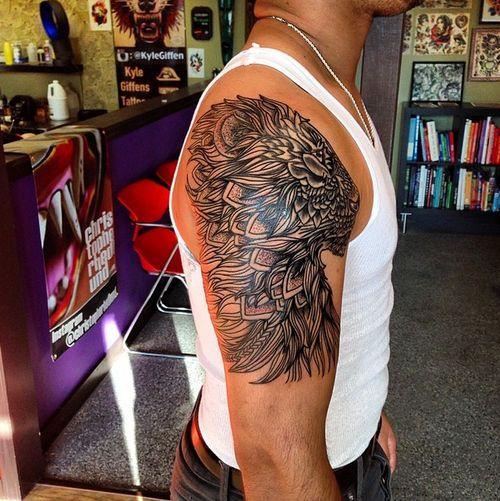 Löwentattoo von Cory bei Little Pricks Tattoo.
