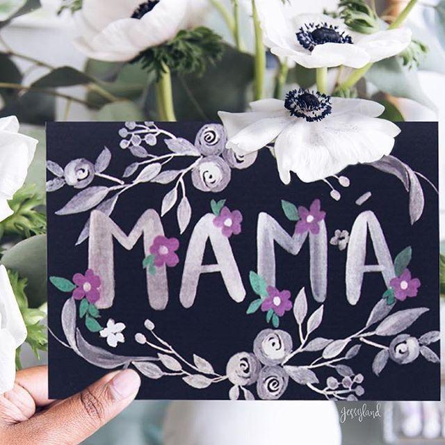 Donde sea que estes, lo que sea que estes haciendo, siempre hay una maravillosa manera de decirle a tu mamá cuanto la quieres. Tenemos estas hermosas tarjetas a la venta!! Pide las tuyas :)